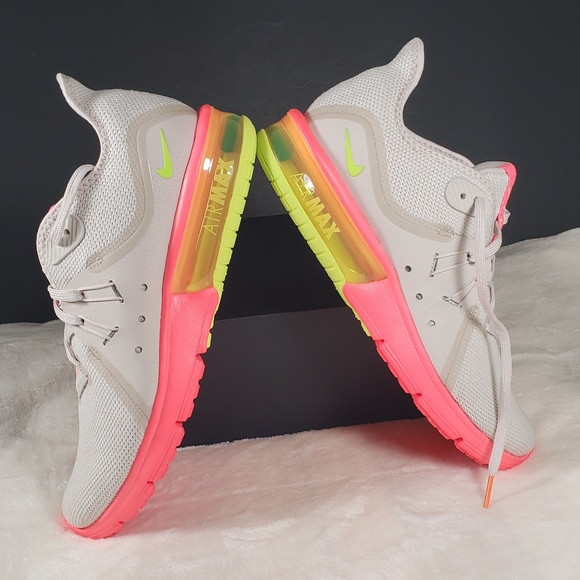 5f3525d8f45a Nike Shoes - Nike